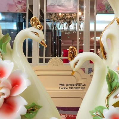Cặp Bình Cắm Hoa Chim Công